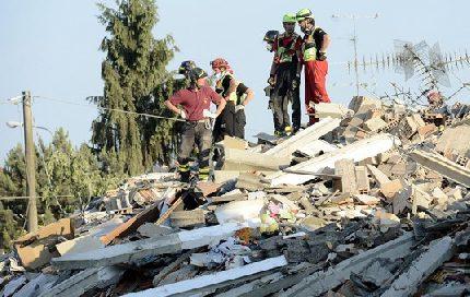 Terremoto Emilia: donna estratta viva dalle macerie