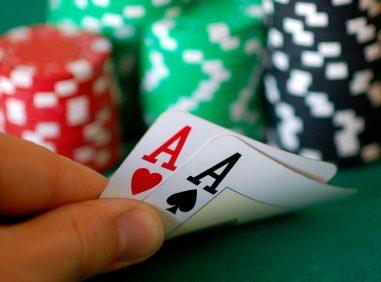 Poker e beneficenza: è possibile, grazie al team Uni-T
