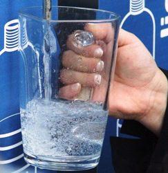 Acqua pubblica: fa bene all'ambiente e al portafoglio