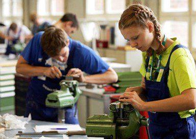 Stanziati 230 mln per incentivare l'occupazione dei giovani e delle donne