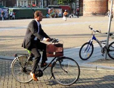 al-lavoro-in-bicicletta