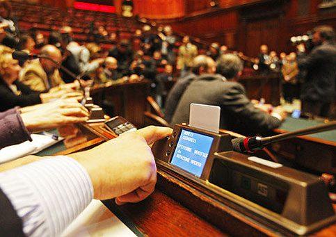 Nuovo regolamento gruppi parlamentari bilanci online e for Gruppi parlamentari