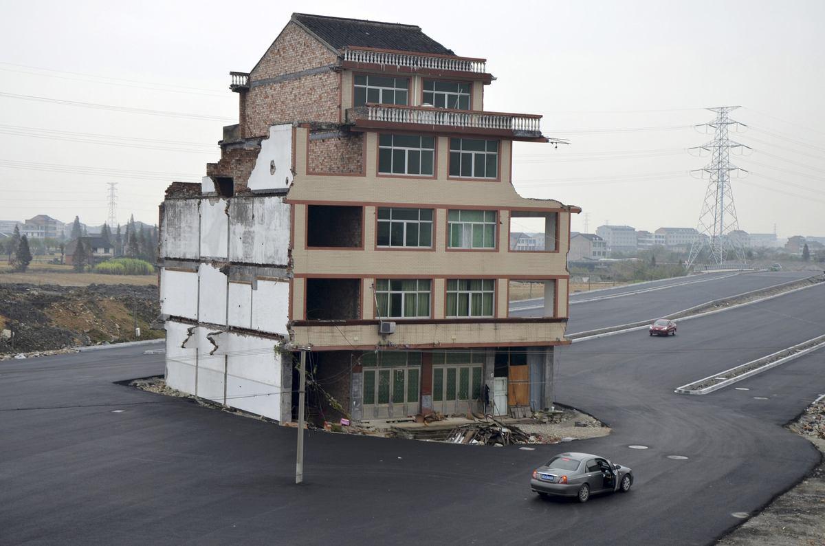 Cina: sfidano il governo e la casa non viene demolita