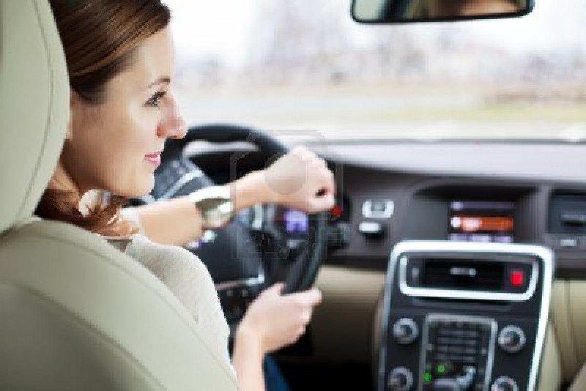 Assicurazioni RC auto: dal 2013 le donne risparmiano sulle tariffe