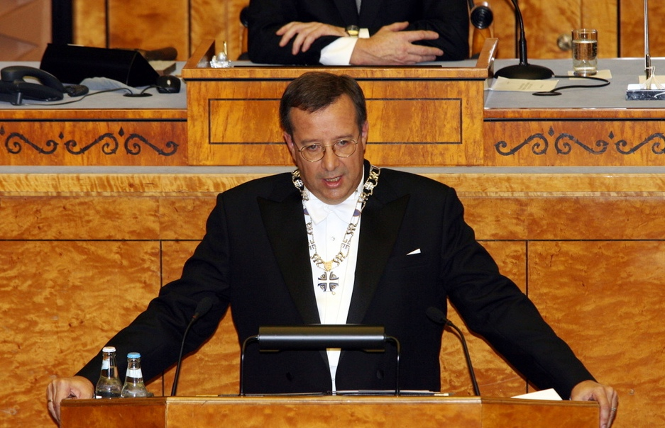 PRESIDENT TOOMAS HENDRIK ILVES ANDMAS AMETIVANNET