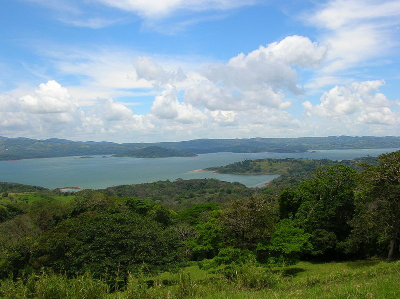 800px-Lac_Arenal_Costa_Rica_001