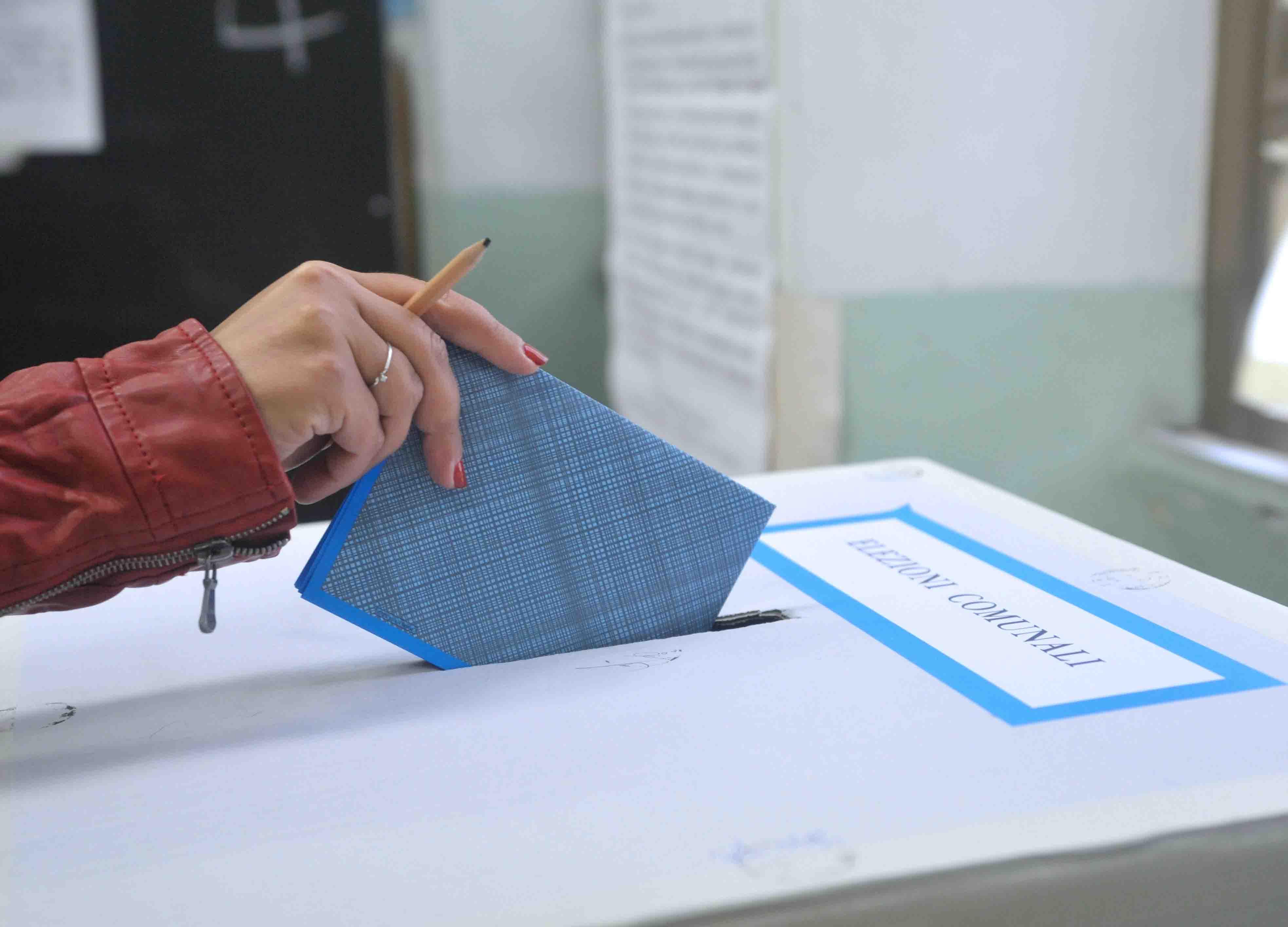 Aiuti agli studenti Erasmus che tornano in Italia a votare