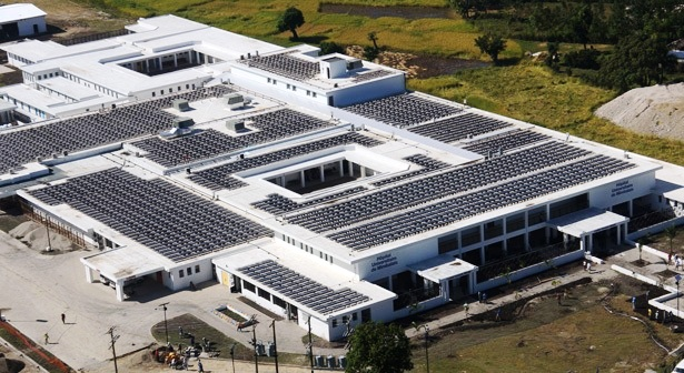 """Haiti: nasce l'ospedale """"solare"""" più grande del mondo"""