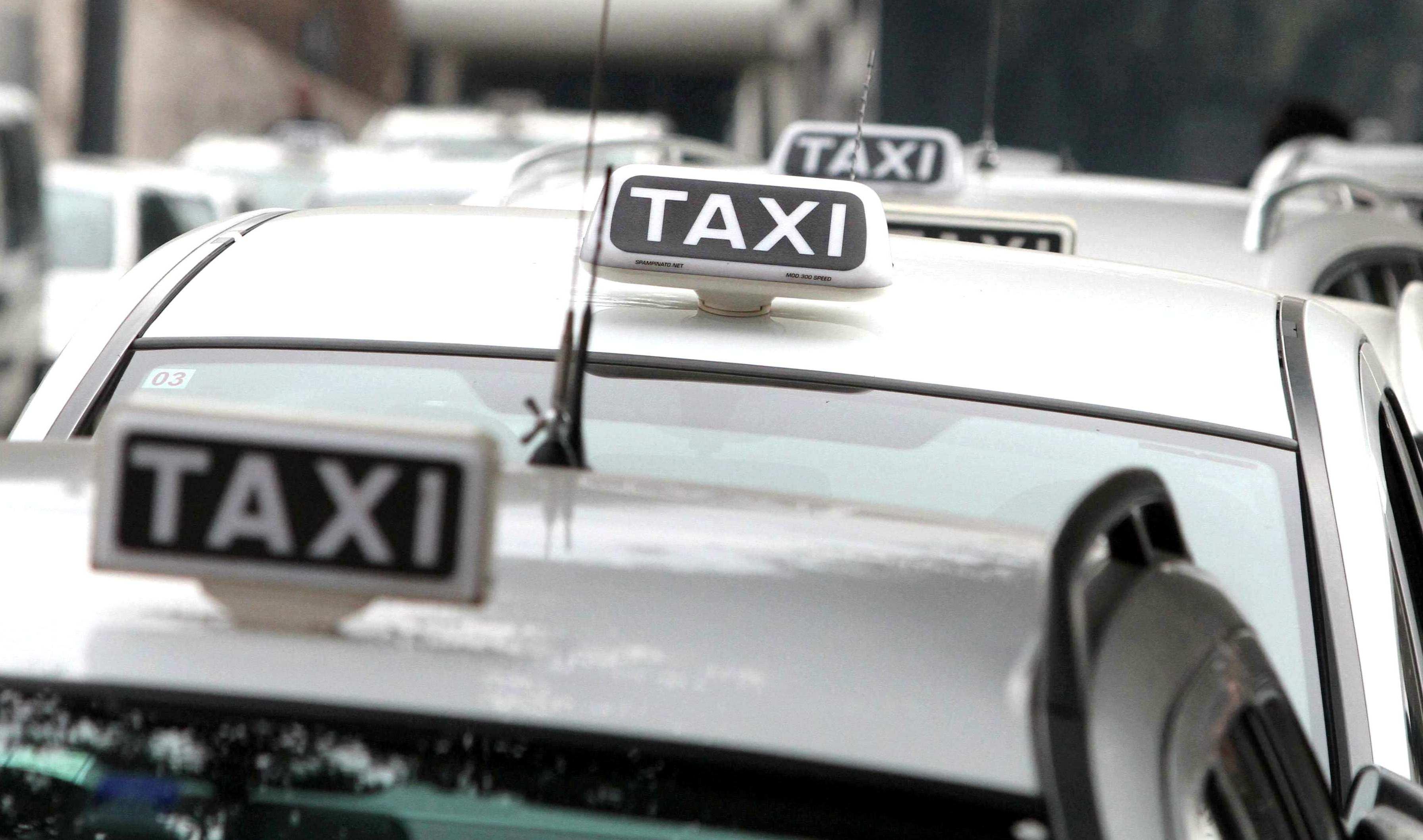 """Mobilità sostenibile: incentivi per i taxi """"low emission"""""""