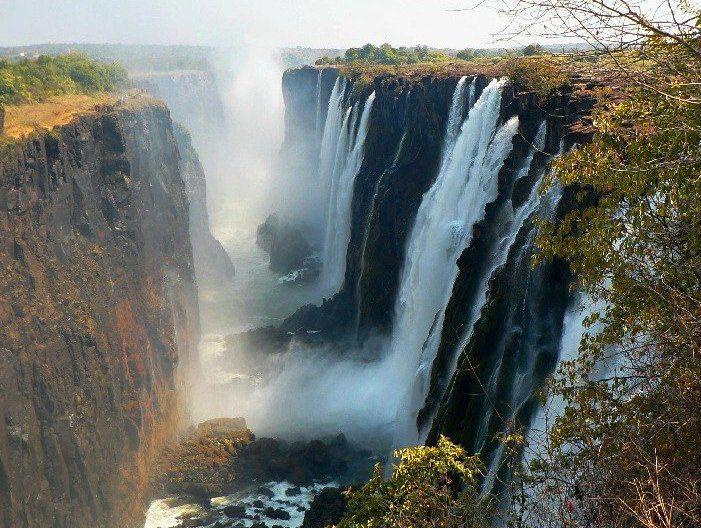 Zambia: revocate concessioni minerarie a società straniere