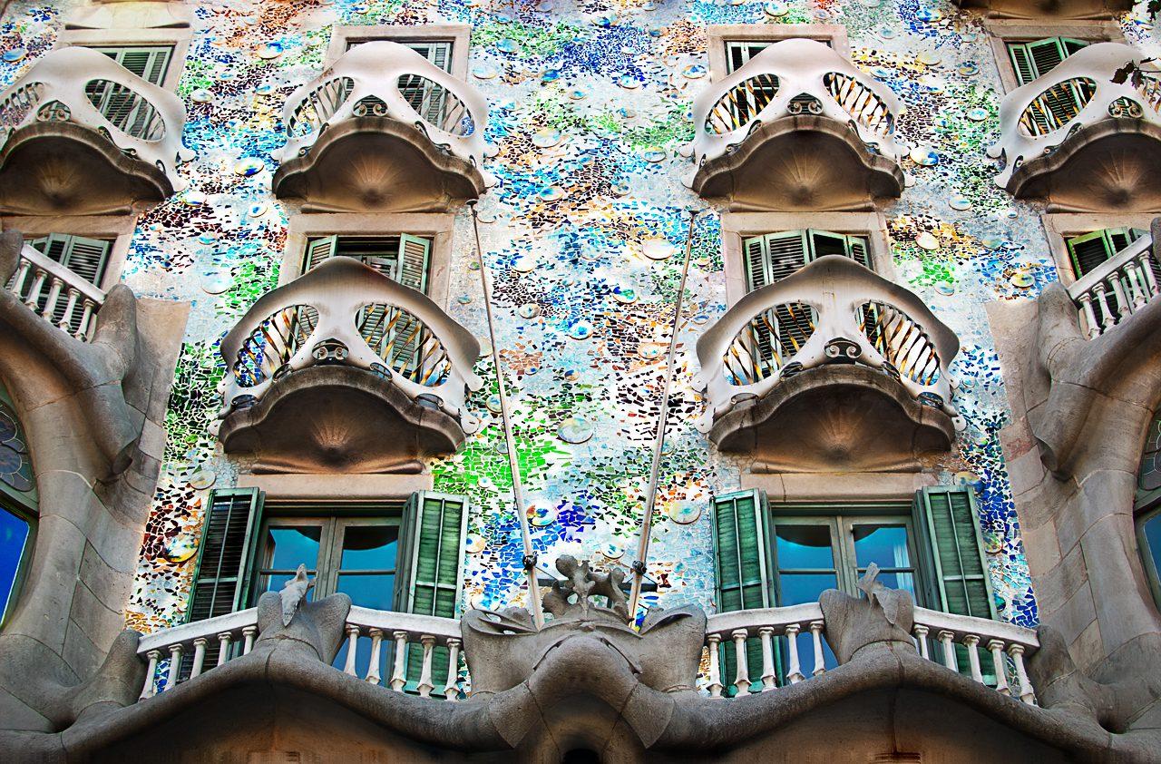 Barcellona: porte aperte al taxi elettrico