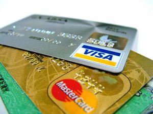 Ecommerce, è boom di acquisti con carta di credito