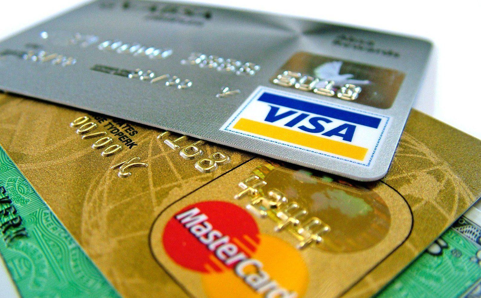 Progetto di legge su pagamento con carta di credito: meno tasse in vista?