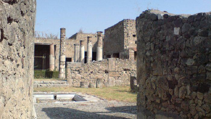Pompei, tre splendide domus riaprono per Pasqua