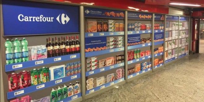 Italia all'avanguardia nell'e-commerce: la spesa si fa in metropolitana