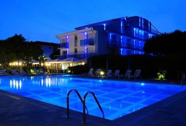 620x420xhotel-zero-energy-b.pagespeed.ic_.ygXyLI5pHs.jpg