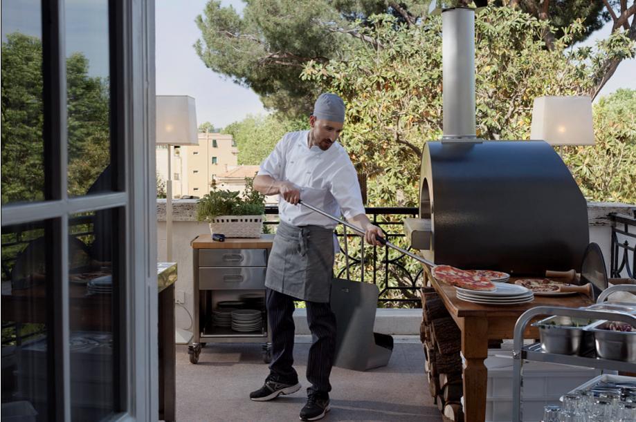 Come inventare un forno a legna che rivoluziona il concetto di pizzeria