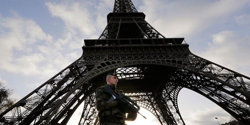 La redazione di BuoneNotizie.it, in diretta da Parigi