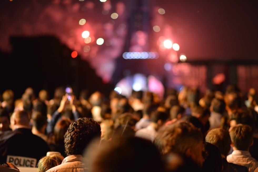 La notte di Parigi raccontata da un giornalismo costruttivo avrebbe fatto la differenza