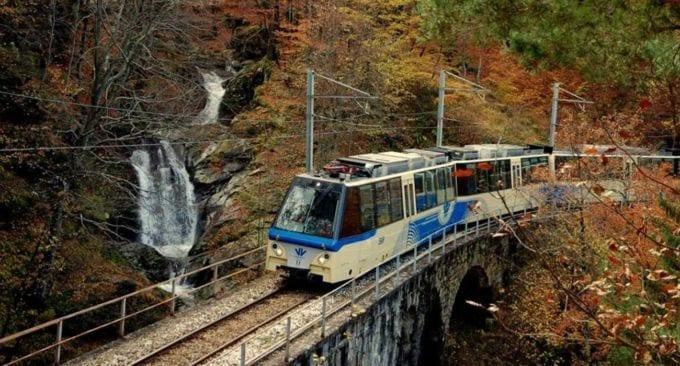 Il treno del foliage, per ammirare i colori dell'autunno tra Italia e Svizzera