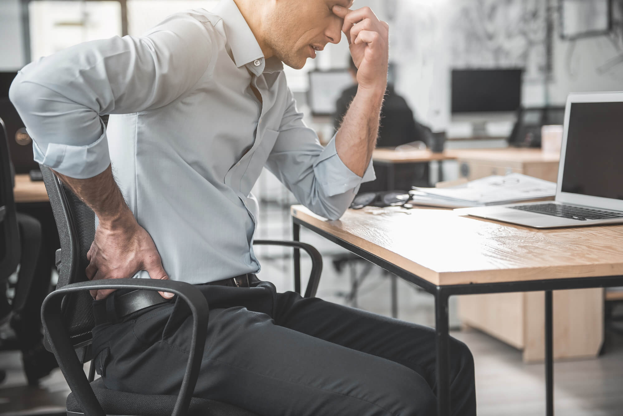 Mal di schiena? Cos'è l'ergonomia posturale e perché ne abbiamo bisogno
