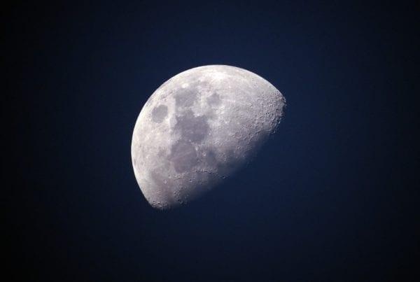 C'è acqua sulla Luna?